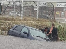 Man saves family in flood
