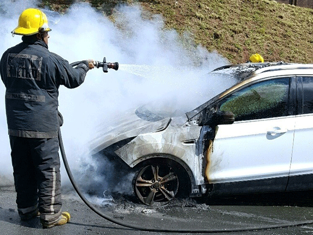 Ford Kuga on flames