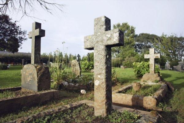 graveyard-cemetary.jpg