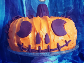 Halloween themed pumpkin cake (single use)