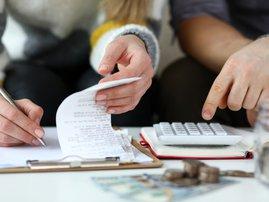 "Award-winning consumer journalist Wendy Knowler tackles the ""refund"" issue."