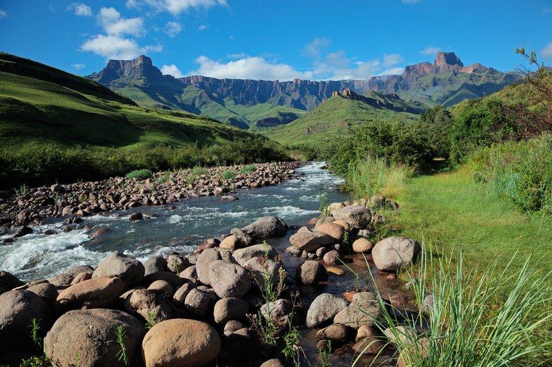 Drakensberg mountains / iStock