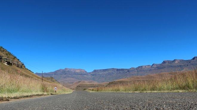 Road towards Giant Castle stock photo