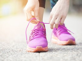Lacing up shoes / iStock