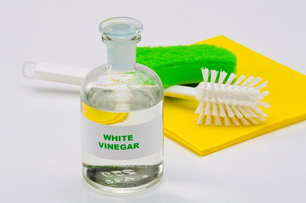 White vinegar clean your home