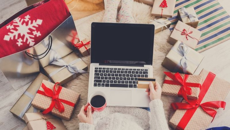 How to wrap your holiday gifts like a pro