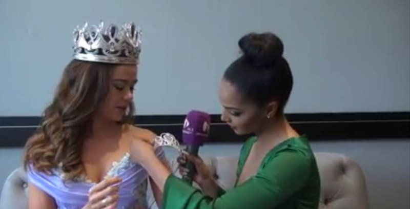 image video liesl laurie crowns Ade'