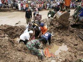 indonesia-getty-landslide.jpg