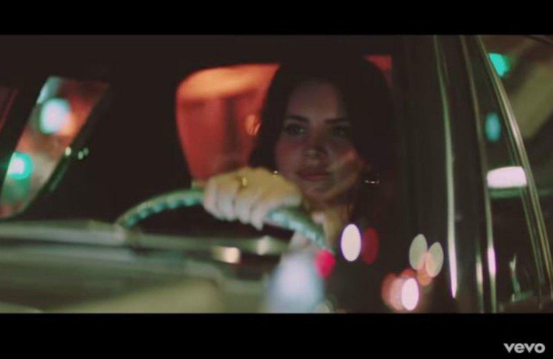 Lana Del Rey 'White Mustang