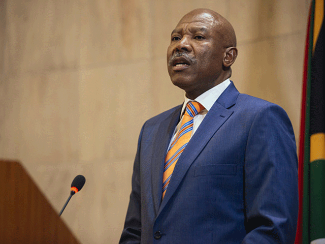 Reserve Bank governor warns of deeper recession