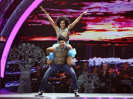 liesl laurie on dancing in blue number