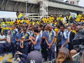 MAmalodi Sundowns at airport