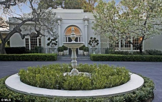 Jay-z and beyonce out bid by Tom ford mansion 1