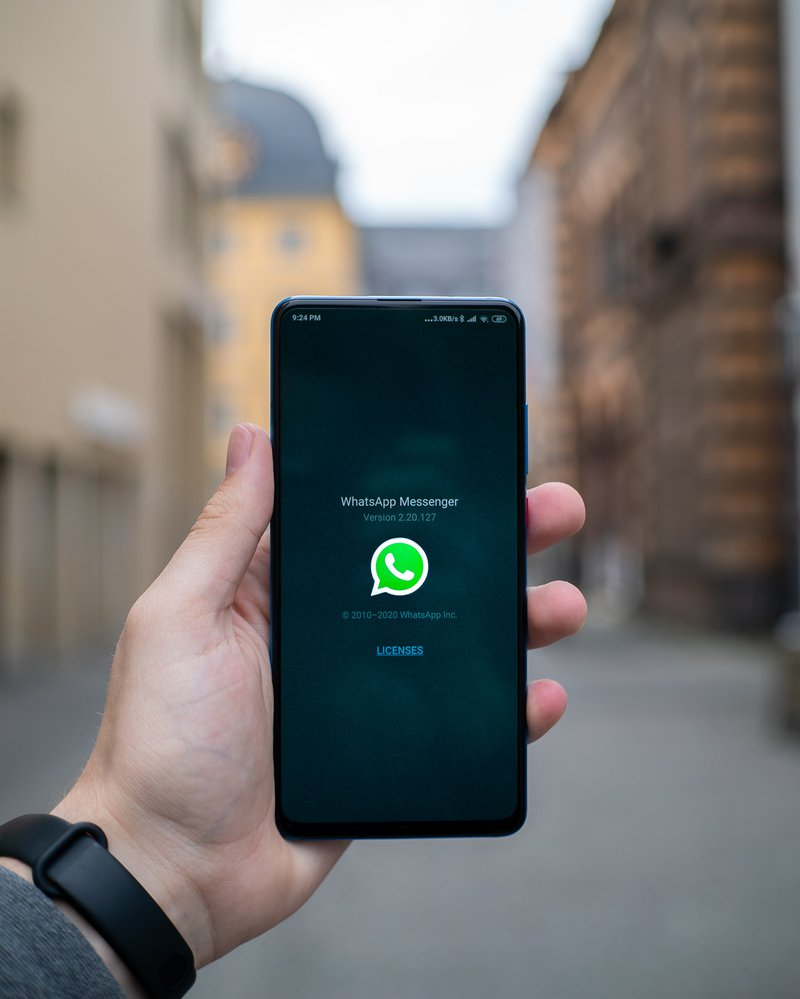 WhatsApp's new proposed feature to convert voice notes to text