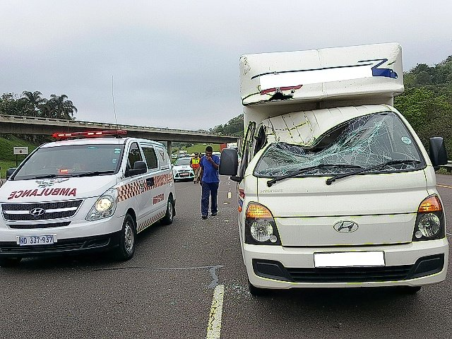 3 hurt in N3 truck crash