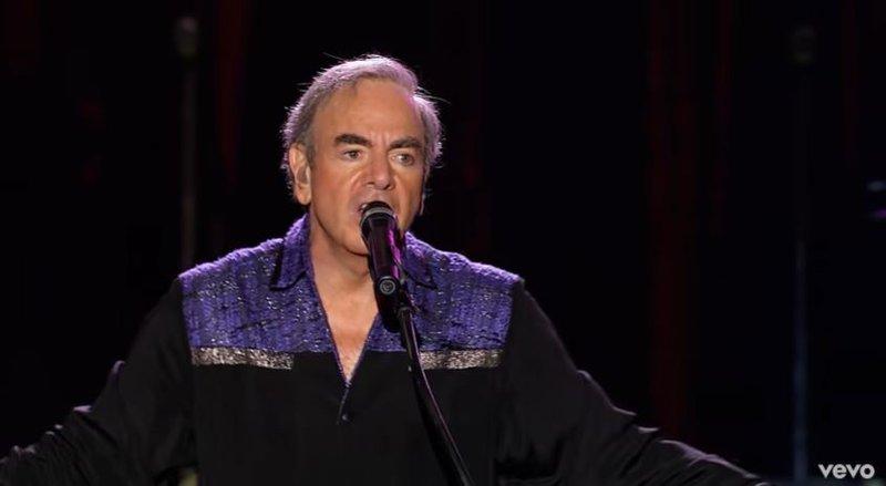 Neil Diamond 'Sweet Caroline' live
