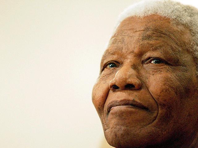 Mandela doctor's tell-all book pulled from shelves