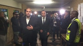 Oscar Pistorius leaving court_jacanews