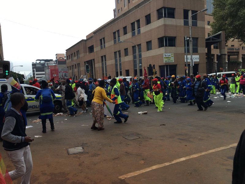 Striking Pikitup workers_jacanews