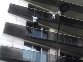 Man saves child, 4, in spectacular Paris rescue