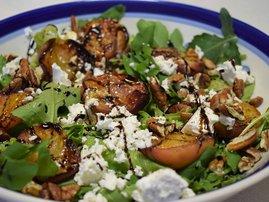 Recipe: Peach, feta and pecan nut salad (single use only)