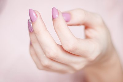 Nightmare nails: The story of a manicure gone wrong - East Coast Radio