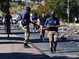 police_protest_new_gallo.jpg