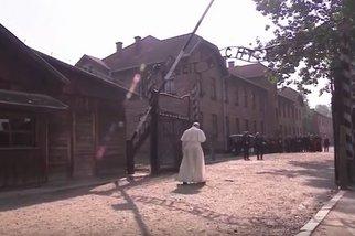 Pope at Auschwitz_video
