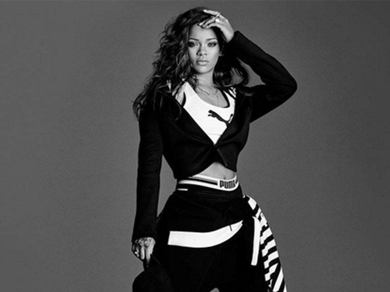 Rihanna's album breaks the charts and internet