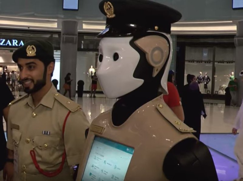 World's first robot cop begins duty in Dubai