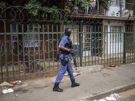 saps_joburg_lockdown_armed.jpg