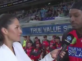 Chris Gayle openly flirts with female reporter on live TV