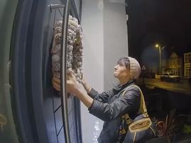 steal a wreath