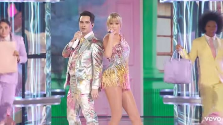 Taylor Swift and Brendon BBMAs