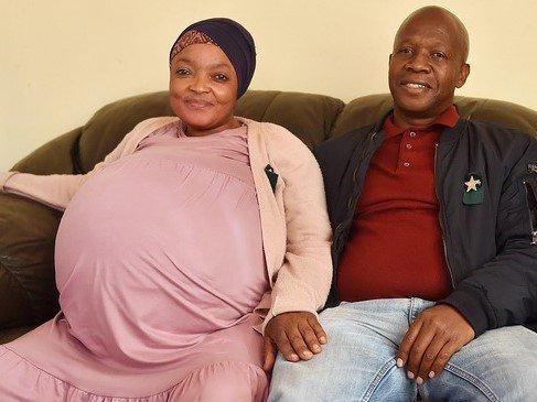 Gosiame Sithole and husband Teboho Tsotetsi - gave birth to 10 babies
