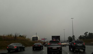 Traffic in rain wet weather_jacanews