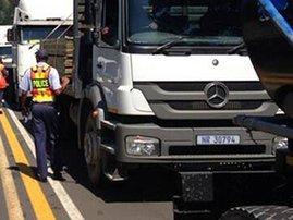 truck_road_block_rtmc_iawuftB.jpg