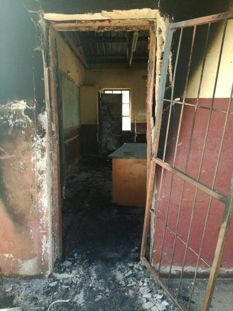 Suspects sought after burning of Vuwani school