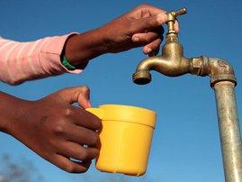 water_tap_outside_gallo_3TipRTk.jpg