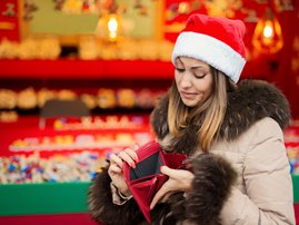 Woman with no money for Christmas shopping
